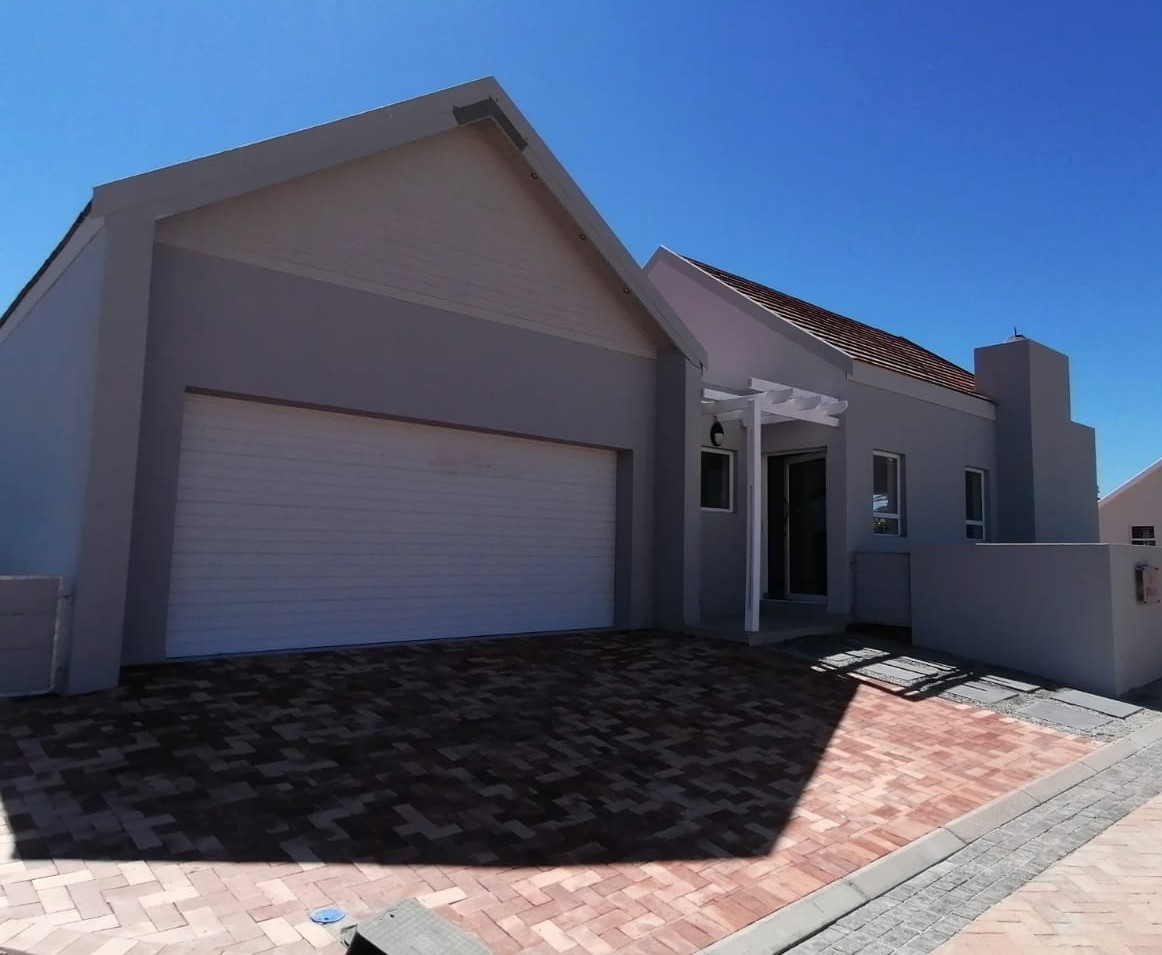Brand new 3 bedroom home for sale on Admiral Island – Ref 2740
