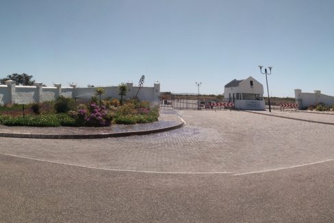 Entrance of Waves with 24 hr security gate