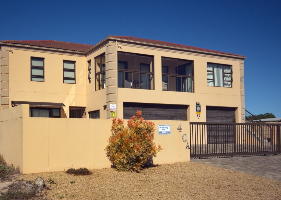 6 Bedroom home/guesthouse for sale in Port Owen – Ref 2462