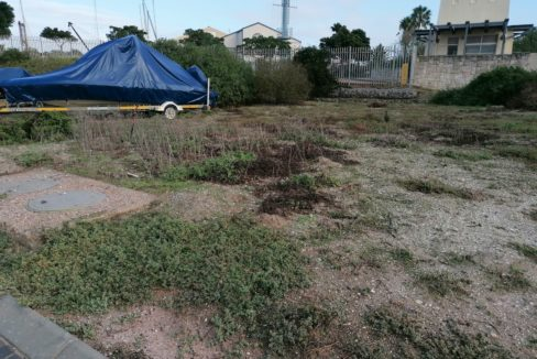 Plot for sale in private security Island (1)