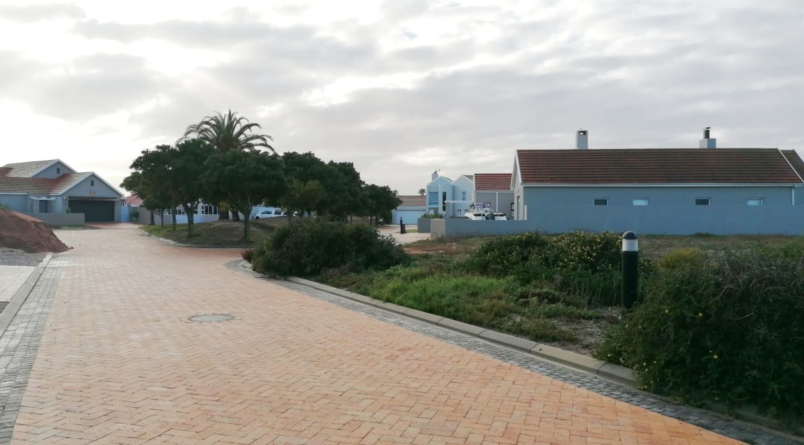 Plot for sale in private security Island (2)