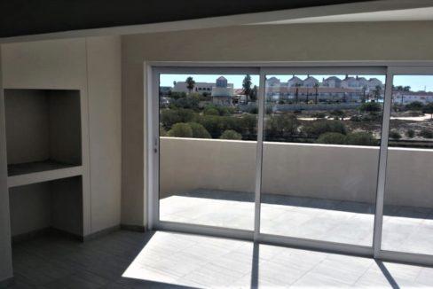 Sliding doors and indoor braai area