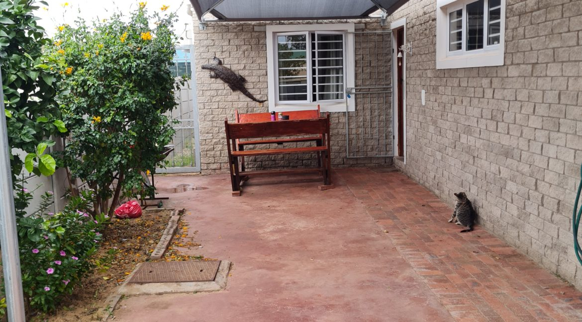 River front House for Sale