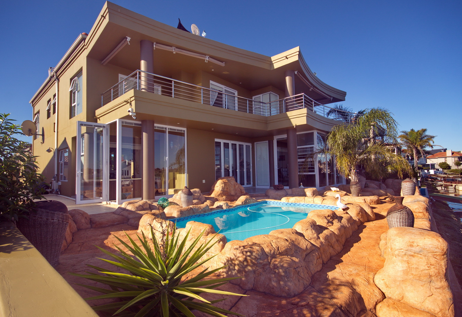 WE OFFER A FANTASTIC NEW WATERFRONT PARADISE – Ref 2768